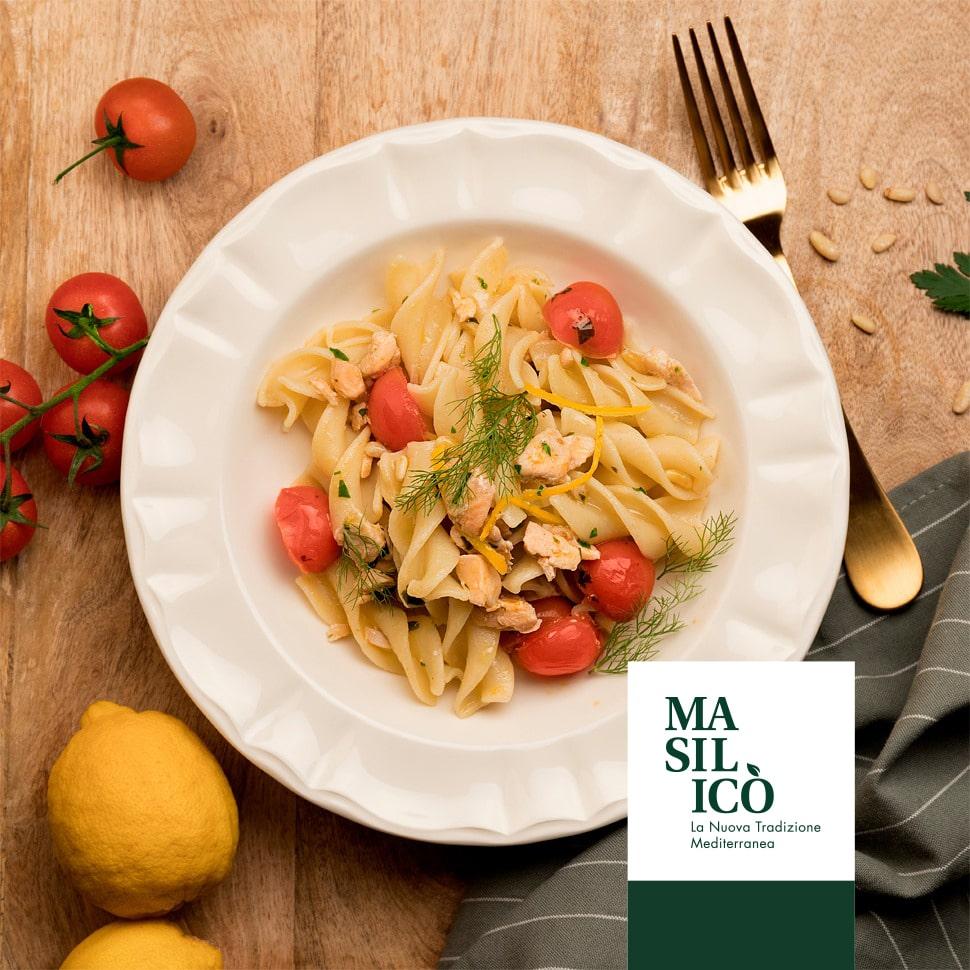 La Ricetta della Settimana: Fusilloni con Salmone e Pomodorini